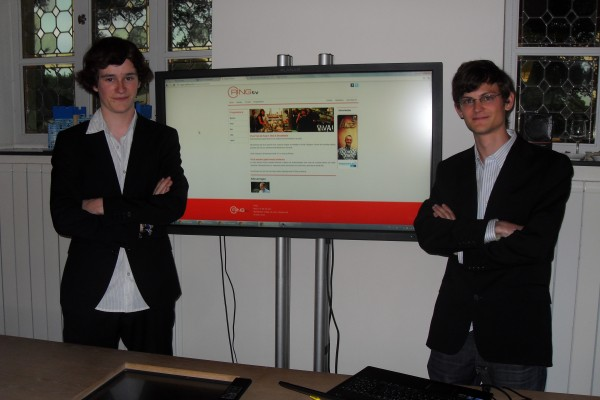Robbie Nevens and Laurent Van Winckel demoing new Ringtv website
